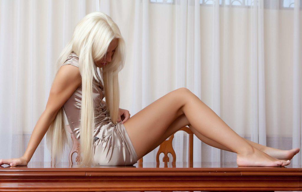 Petite Blondes